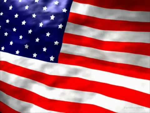 Himno americano subtitulado en inglés y en español