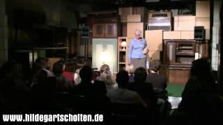 Frau Scholten und das Hasenbaby