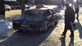 Mafia taxiurilor ilegale e neclintită lîngă ambasada rusă