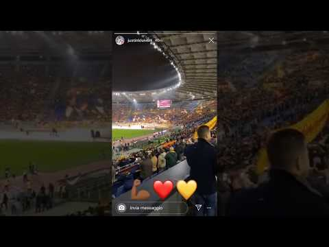 VIDEO - Kluivert allo stadio per Roma-Spal canta l'inno con i fratelli