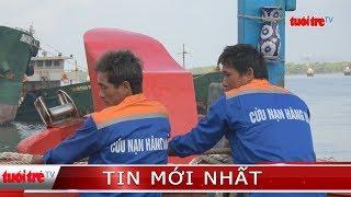 ⚡ Tin mới nhất | Cứu 10 ngư dân trên tàu cá ngoài biển xa