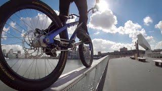 Bikers Rio Pardo | Vídeos | Drop and Roll Tour: As aventuras de Danny MacAskill em Rotterdam