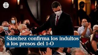 Sánchez confirma los indultos a los presos del 1-O tras ser increpado durante su llegada al Liceu
