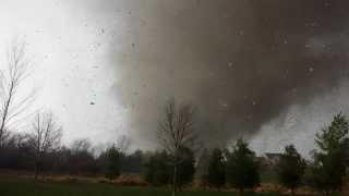 Man films Tornado coming directly at him