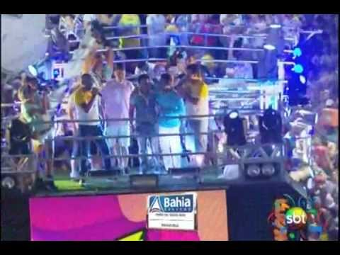 Baixar Pablo do Arrocha cantando no trio elétrico no carnaval de Salvador 09/02/2013