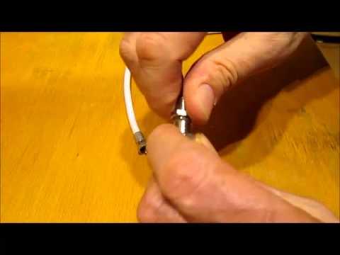 Jak połączyć dwa kable antenowe (koncentryczne)