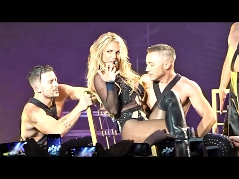Britney Spears - Do Somethin' (Live From Las Vegas)