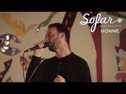 HONNE - Warm On A Cold Night | Sofar London