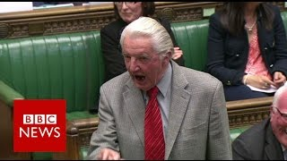 """Dennis Skinner kicked out of Commons for calling David Cameron """"dodgy Dave"""" - BBC News"""