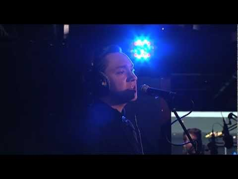 Baixar The xx - 'Last Christmas' in the BBC Radio 1 Live Lounge