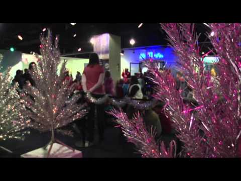 Aluminum Christmas Trees Back In Spotlight - Smashpipe Travel
