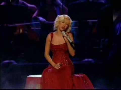 Christina Aguilera - Hurt (live)