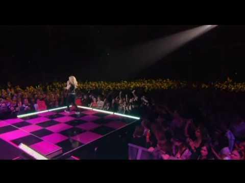 Avril Lavigne - I Always Get What I Want - TBDT Toronto 2008