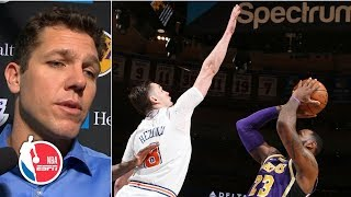 Luke Walton comfortable with LeBron taking late blocked shot in Lakers' loss to Knicks | NBA on ESPN