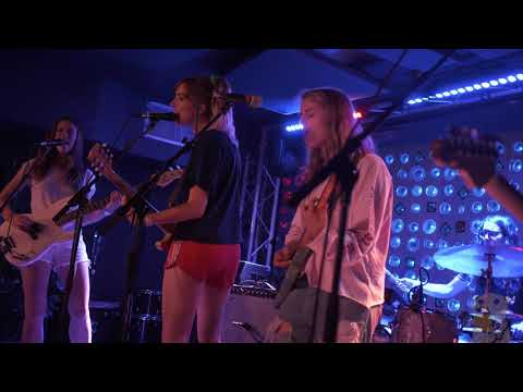 Marika Hackman - My Lover Cindy (live @ Baby's All Right 8/16/17)