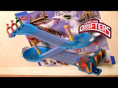 Planes Micro Drifters Wall Race Track Set Disney Dusty Crophopper Wall Tracks Playset Race 3 Planes - Smashpipe Entertainment