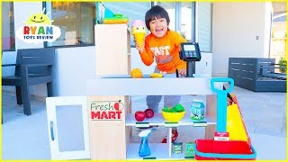 Ryan Grocery Store Shopping Pretend Play with Super Market Toys!