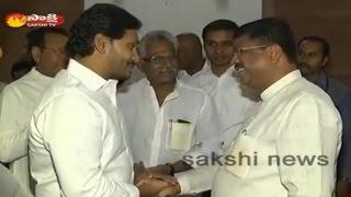 Jagan meets Petroleum Minister Dharmendra Pradhan..