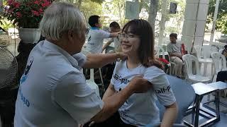 Thầy Kha bấm huyệt bệnh nhân bị chèn ép thần kinh lưng, Thoát vị đĩa đệm , đau bao, tử ĐT 0983360490