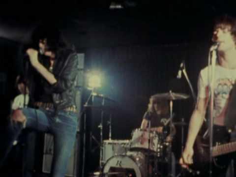 Baixar Ramones live Havana Affair / Listen To My Heart 1976