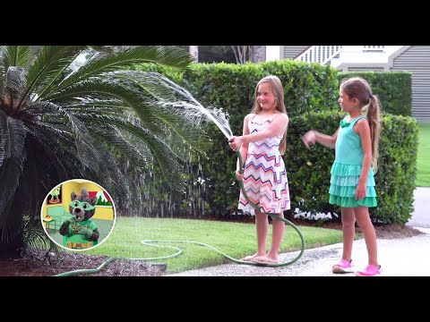 screenshot of youtube video titled Choosing Friends | Growing Up with Smart Cat