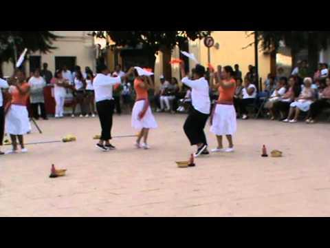 Grupo folclorico bailando la bomba de Marabu
