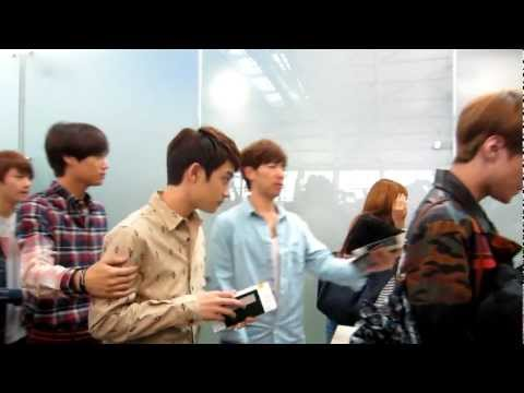 120921 EXO K Incheon Airport to SMTown Indonesia/Jakarta