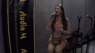"""MORISSETTE sings """"Firework""""  and """"Love on Top"""" at studioM"""