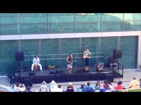 Amazing Taimane Gardner Performance at San Diego Ukulele Festival 2014
