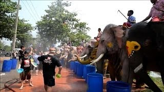 Thailand celebrates new year with water fights