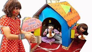 BÉ BÚN SỐNG TRONG NHÀ GIẤY CÙNG MẸ ??? ♥ BÉ BẮP - CreativeKids ♥ Living In Cardboard Playhouse