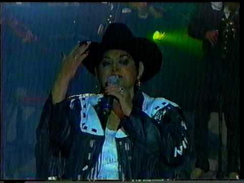 Chayito Valdéz -UNA NOCHE ME EMBRIAGUÉ- 29-Ene-2003-..VOB