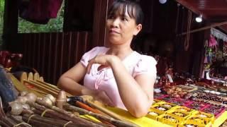 Chợ đường biên Tiểu ngạch giáp tỉnh Cao Bằng - Gần Thác Bản giốc.