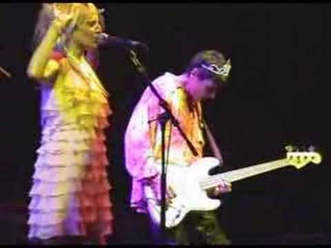 Voice Of The Beehive : I Say Nothing Live Hammersmith '03