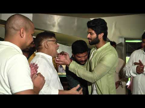 Vijay-Deverakonda-Birthday-Celebrations