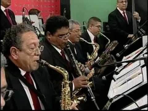El Super Combo Los Tropicales - La Queja Negra (En Vivo)