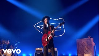 James Bay - Hold Back The River - Live at The BRIT Awards 2016