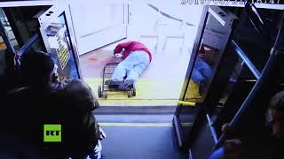 Moment elderly man is pushed from bus, leading to fatal injuries (DISTURBING)