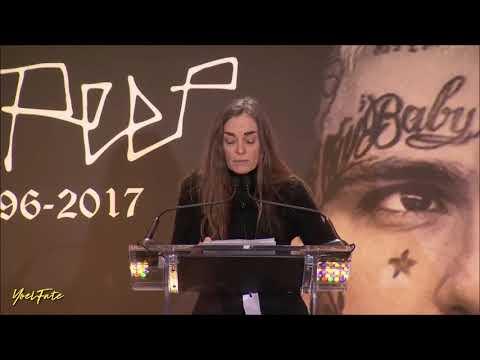 La madre de Lil Peep da un discurso - Long Beach, NY