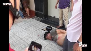 TPHCM, Nữ sinh viên bị giật điện thoại lao thẳng xe máy vào tên cướp trong KDC Tên Lửa