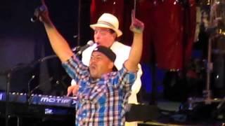 Sergio Mendes with H2O - Mas Que Nada Live at Hollywood Bowl