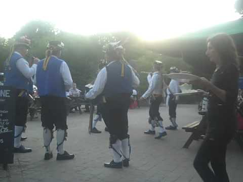 Morris Dancing at The Millstone