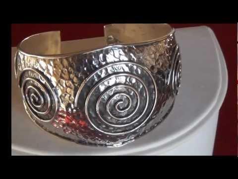 Pulsera plata espiral.mp4