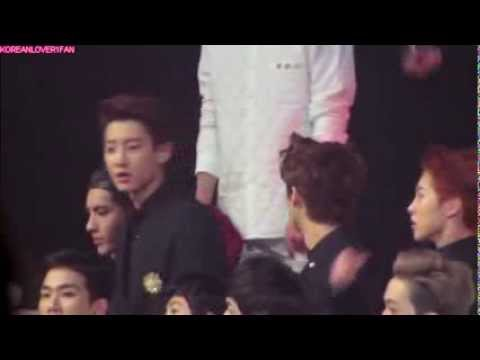 131229 Fanboy CHANYEOL SING DARA's PARTS+EXO DURING 2NE1 PERF!