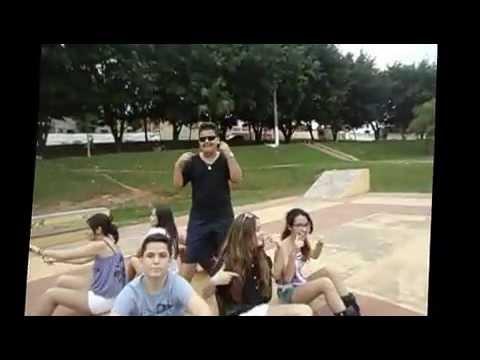 Baixar VODKA OU ÁGUA DE COCO.   The Guys and Girls!