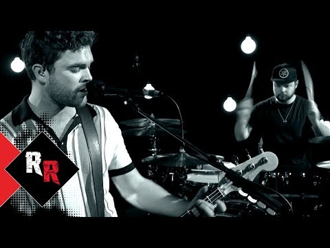 Royal Blood – Lights Out (1 LIVE Session)