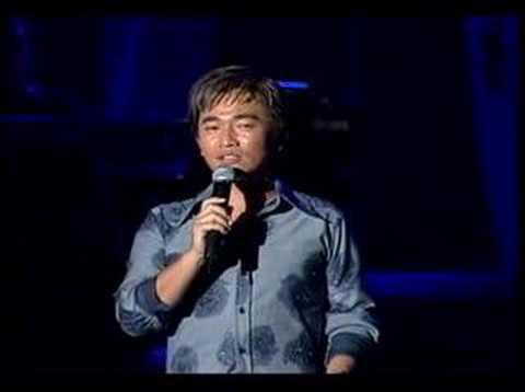 吴宗宪演唱会,杰伦当任嘉宾,钢琴伴奏.