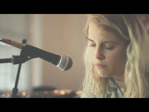 Marika Hackman 'Animal Fear' (Gigwise Office Sessions)