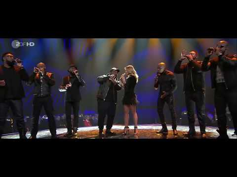 Hello - Naturally 7 and Helene Fischer (Adele Cover) Live at the Helene Fischer Show 2016