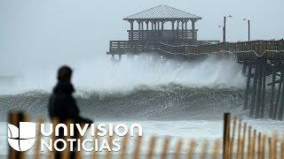 Así sube la marea en la costa mientras Florence se acerca peligrosamente con toda su fuerza